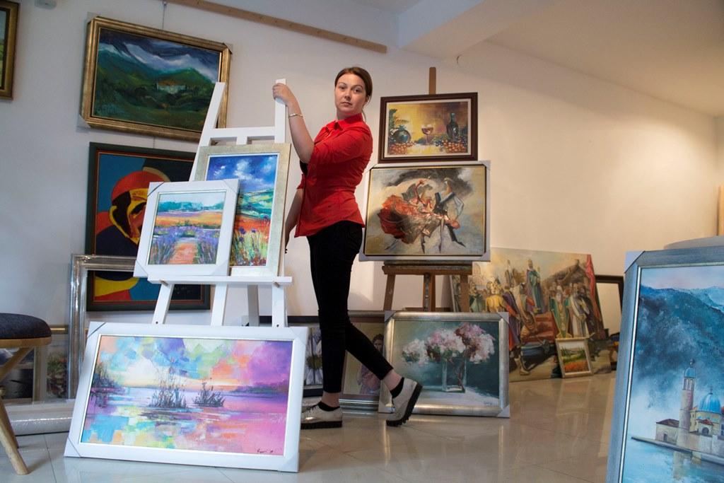 Milena Rogovic Ikonic (24)