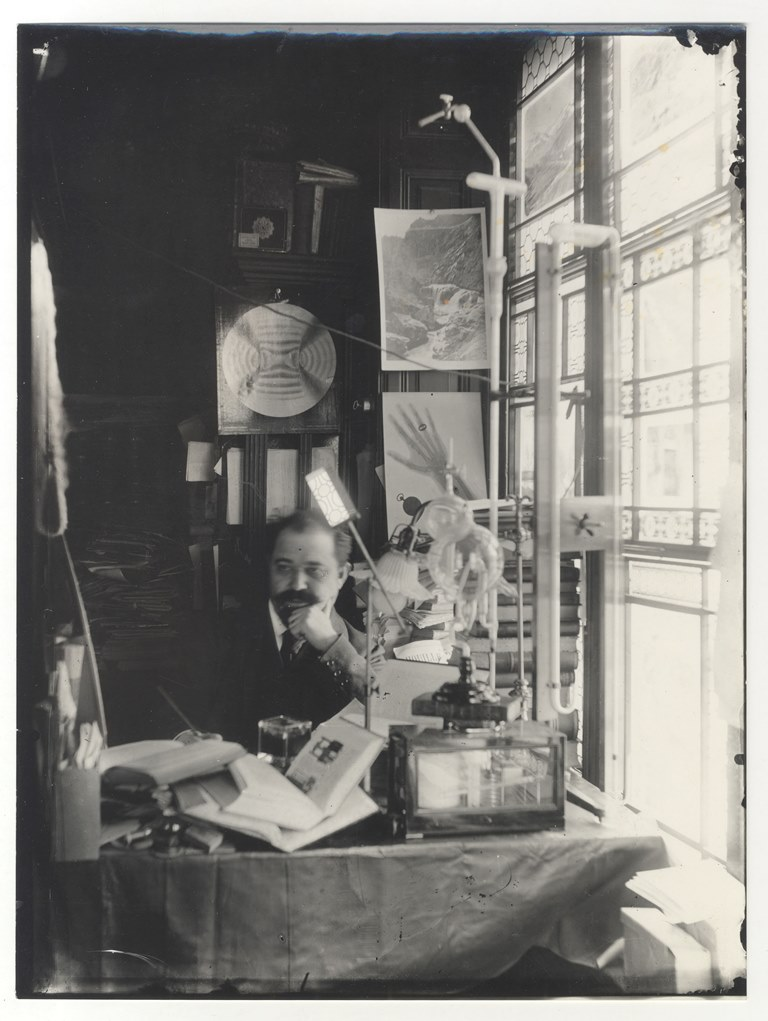 Djordje Stanojevic u radnom kabinetu